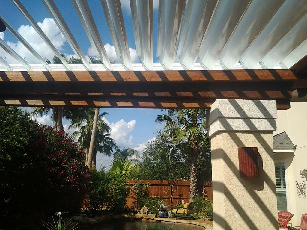 Equinox Louvered Roof​